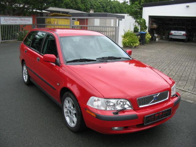 Volvo - V40